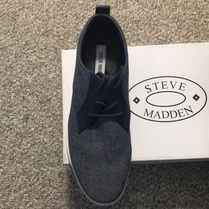 Steve Madden Reid Navy Casual Shoes - Size 9